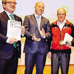 Il premio Rosa Camuna  assegnato al Cai valtellinese