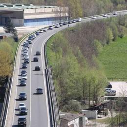 Pasqua da record: trecentomila auto lungo la Statale 36