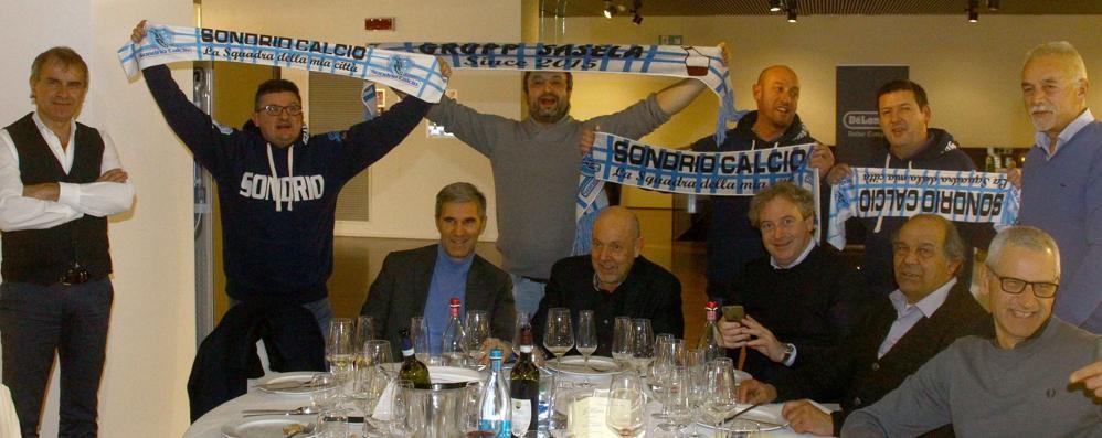 Calcio Eccellenza, festa con i tifosi per il Sondrio capolista
