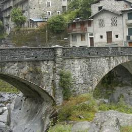 Voto incerto nel comune di Val Masino  Due candidati contro l'ex sindaco Iobizzi