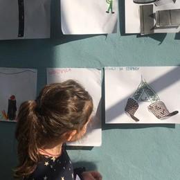 A Cantù i bambini mettono il design nel piatto e le sedie diventano... stivali