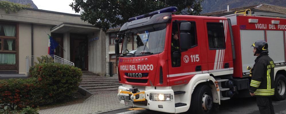 Crolla il soffitto alla materna  Due bimbe in ospedale: ferite lievi