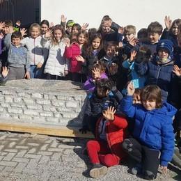 L'eco-school di Triangia sul podio  Grazie a una panchina di carta