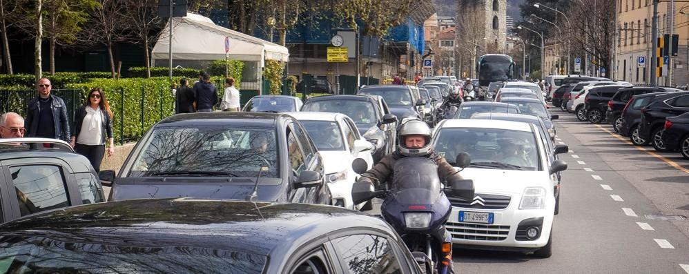 Como: caos parcheggi, le novità  Più posti in viale Varese