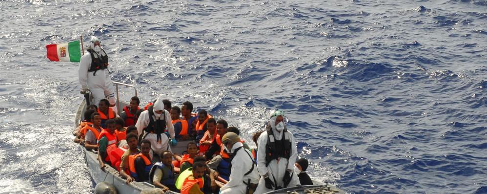 Migranti: bozza Ue, ridurre arrivi e movimenti tra Paesi