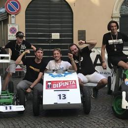 Corsa dei carretti a Sondrio, la Strana Officina resta la più veloce