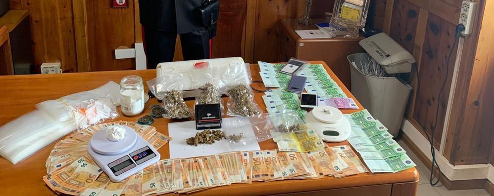 Spaccio di droga, arrestati due albanesi  In casa coca, marijuana e molti contanti