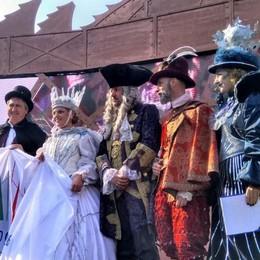 La regina del ghiaccio vola su Venezia e lancia le Olimpiadi