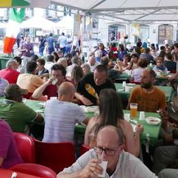 Cena multietnica, tutto esaurito a Sondrio  Oltre al menù colpiscono le storie