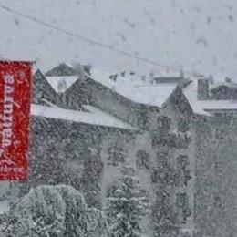 Come da copione: alla prima neve Santa Caterina è isolata