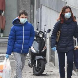 In Valtellina 422 contagiati   «Per alcuni mesi   in giro  con la mascherina»