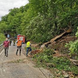 Frana sulla statale 39  Strada interrotta per Aprica