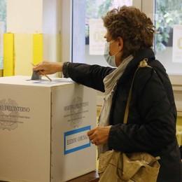 Dieci sindaci possono attendere  Le elezioni slittano a ottobre
