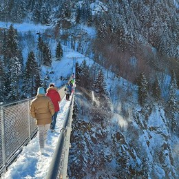 Il Ponte nel cielo  riapre ai visitatori  «Ma contingentati»