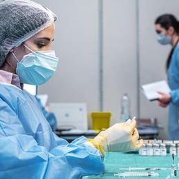 Si avvicina il traguardo  di un vaccinato su due  La campagna va veloce
