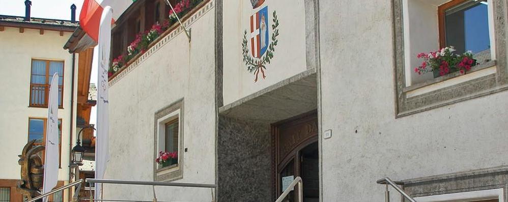 Dieci  Comuni in provincia  al voto il 3-4 ottobre  Da Livigno a Tartano