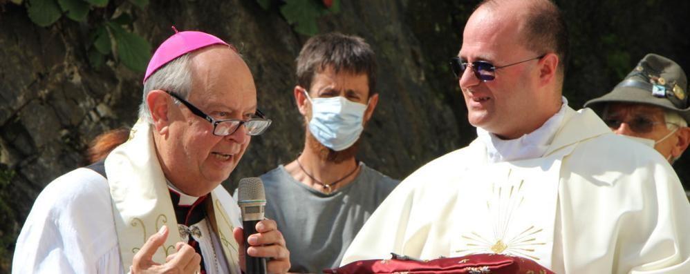 Ingresso del parroco  Giornata di festa  in tre comunità